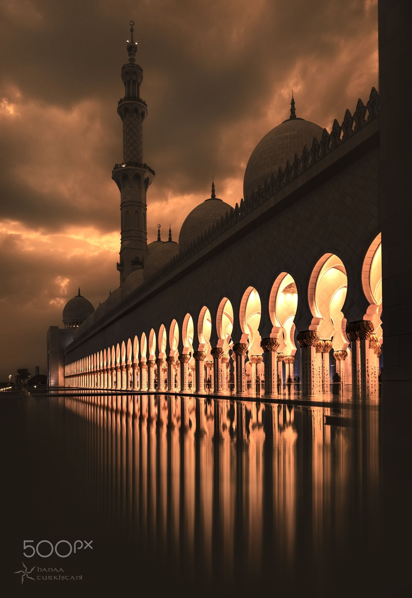 Bright Sight Sunlight The Most Precious Gold To Be Found On Earth Monochrome Gives Beautiful Sense To The P Islamic Architecture Grand Mosque Sights