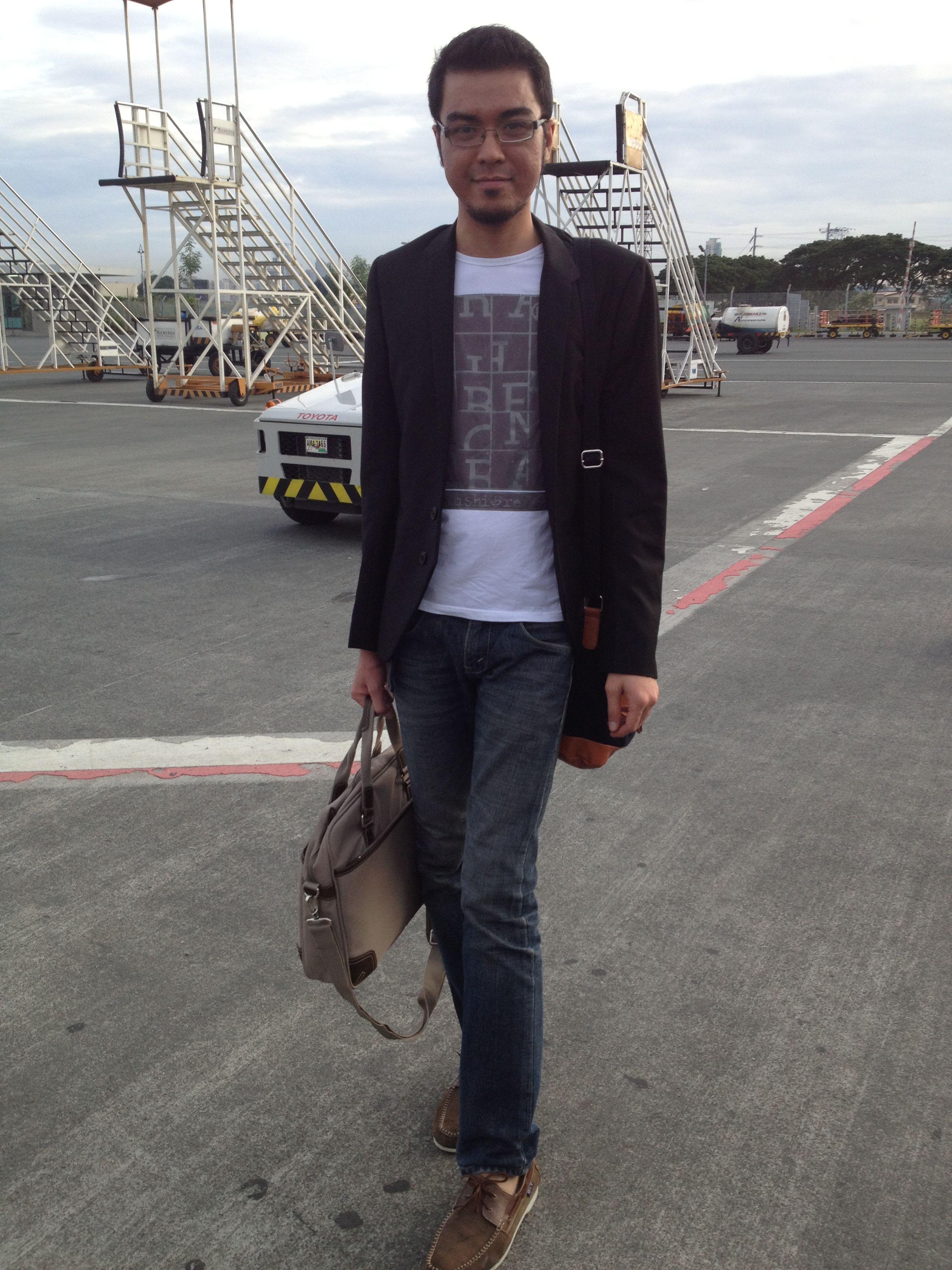 216049ff7b49 Black jacket white printed shirt blue jeans brown boat shoes jpg 2448x3264  Black jacket shoes