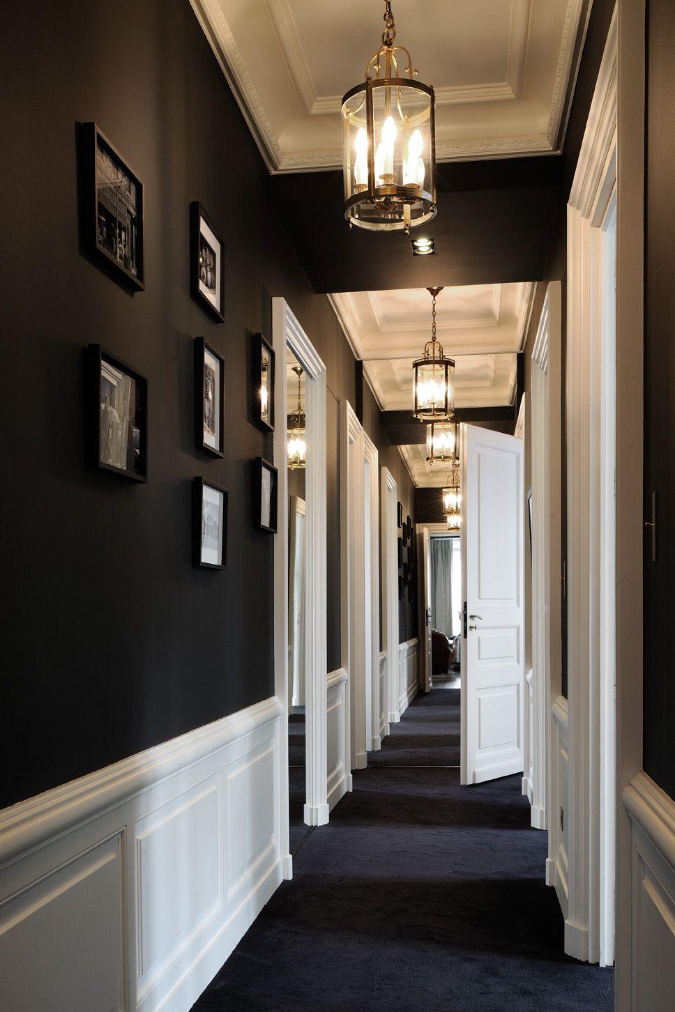 Renovation Interieur Architecte Contemporain Chic Lyon Couloir Moquette Noir Et Blanc Classic Tableau Decorer Un Couloir Moquette Noir Appartement