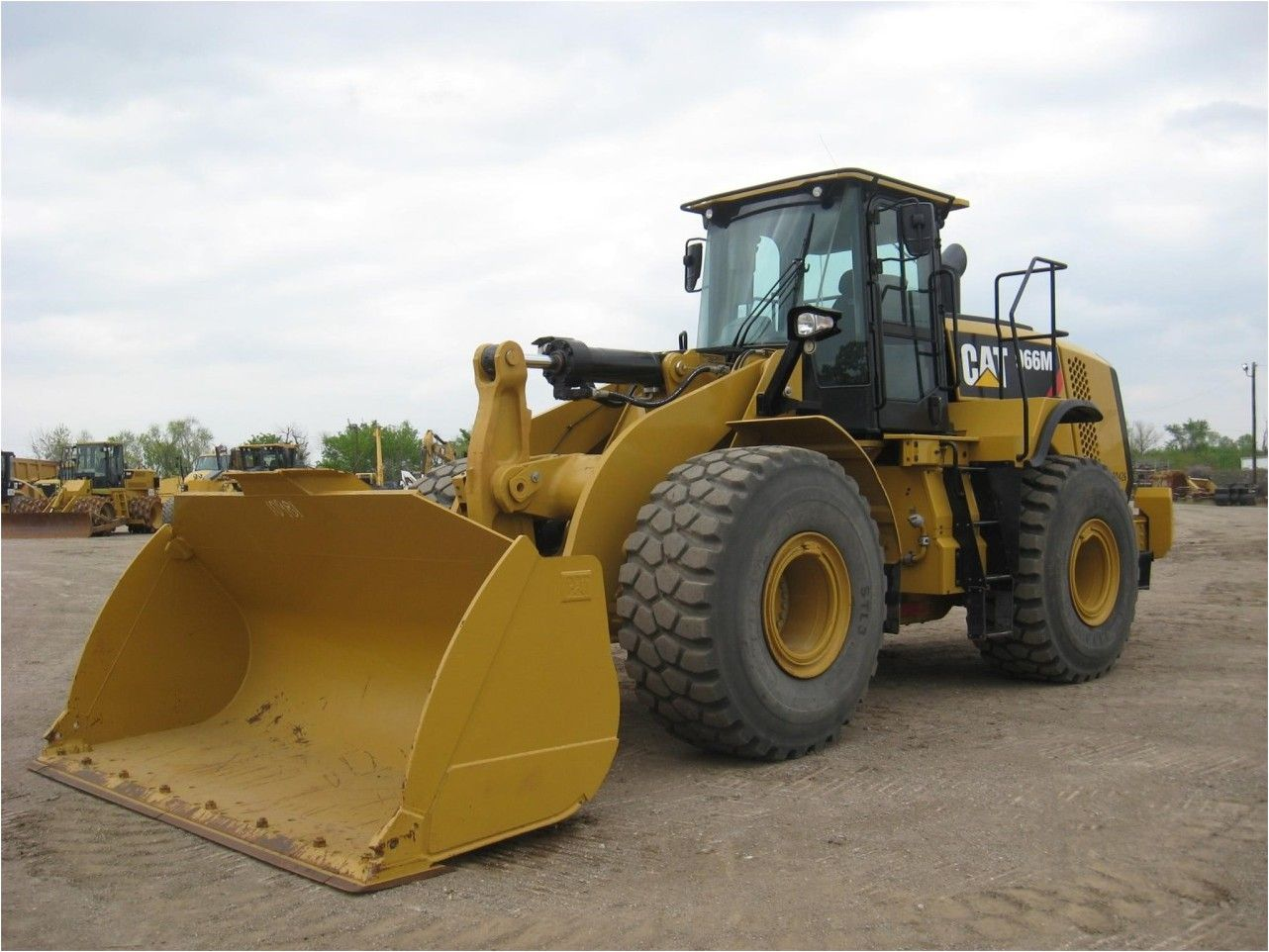 Our Featured Wheel Loader Is A 2014 Caterpillar 966m Erops A C Fusion Coupler Gp Bucket Forks Ride Control 311 Hrs We Have Great Selection Of Whee Tekne