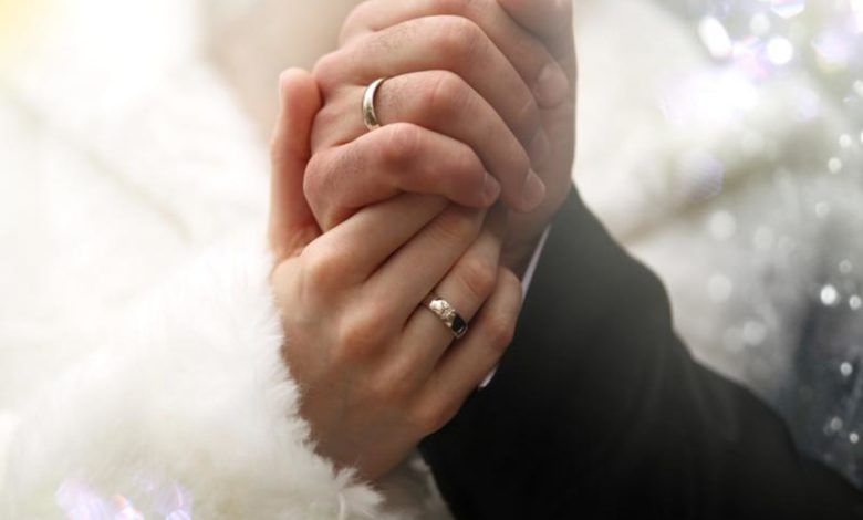 تفسير حلم عريس يتقدم لبنتي لابن سيرين وابن شاهين Engagement Wedding Rings Engagement Rings