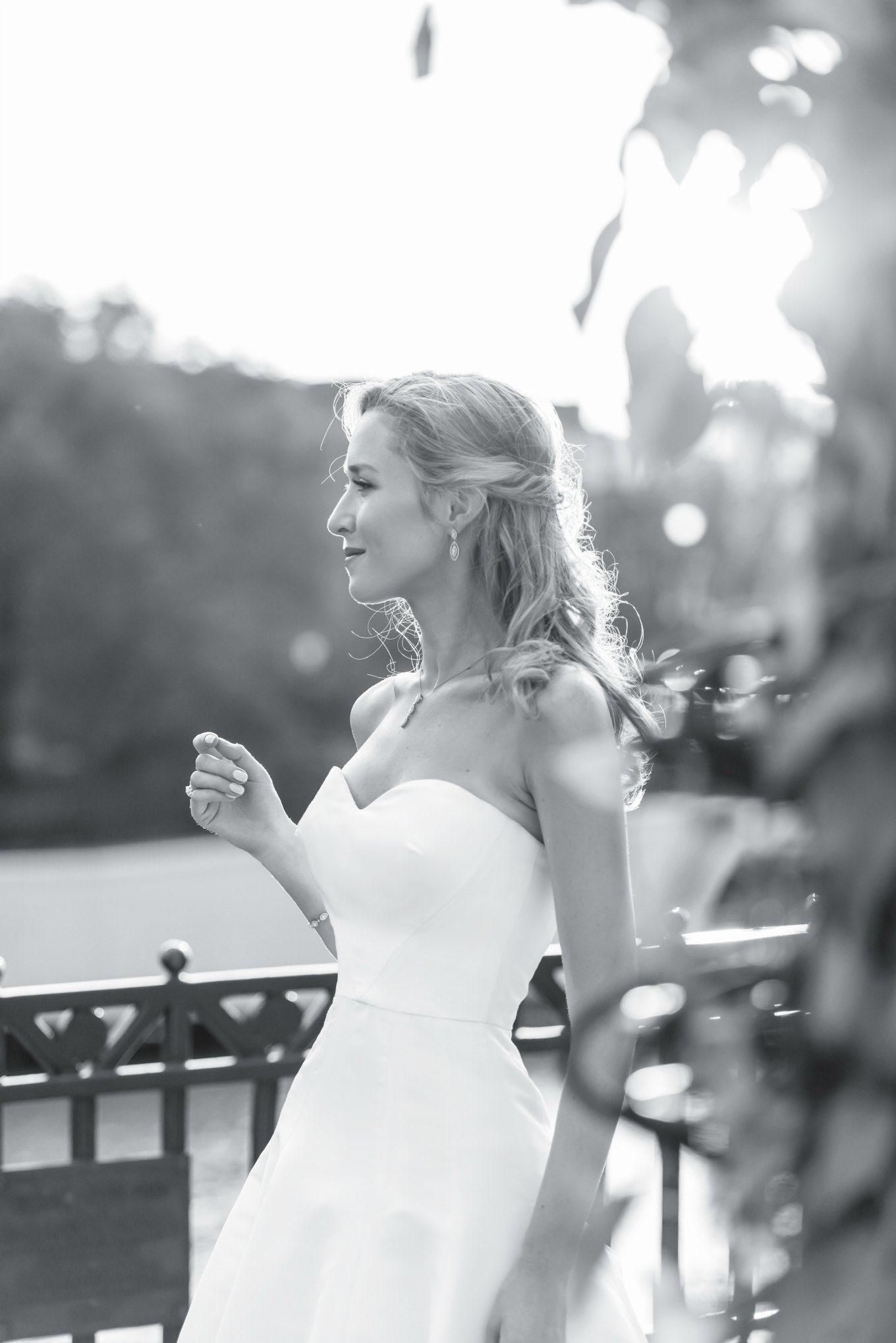oscar-de-la-renta-sweetheart-strapless-fit-flare-wedding-dress-gown-classic-style-mary-orton14