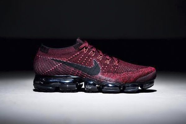 986320d3b79c ... A First Look at the Nike Air VaporMax in Red and Black Authentic nike  air vapormax flyknit ...