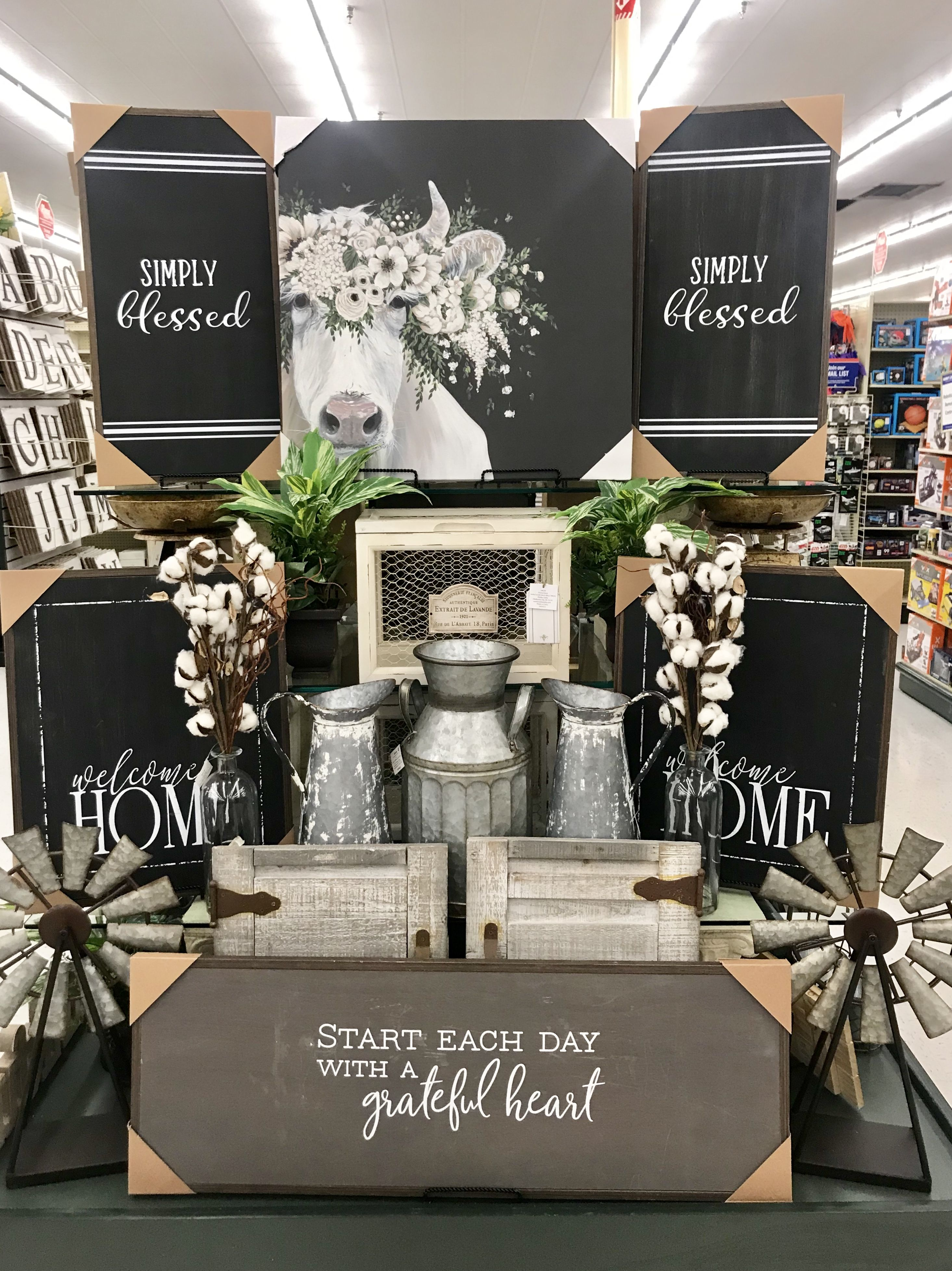 Hobby lobby merchandising table displays work/Kv Hobby