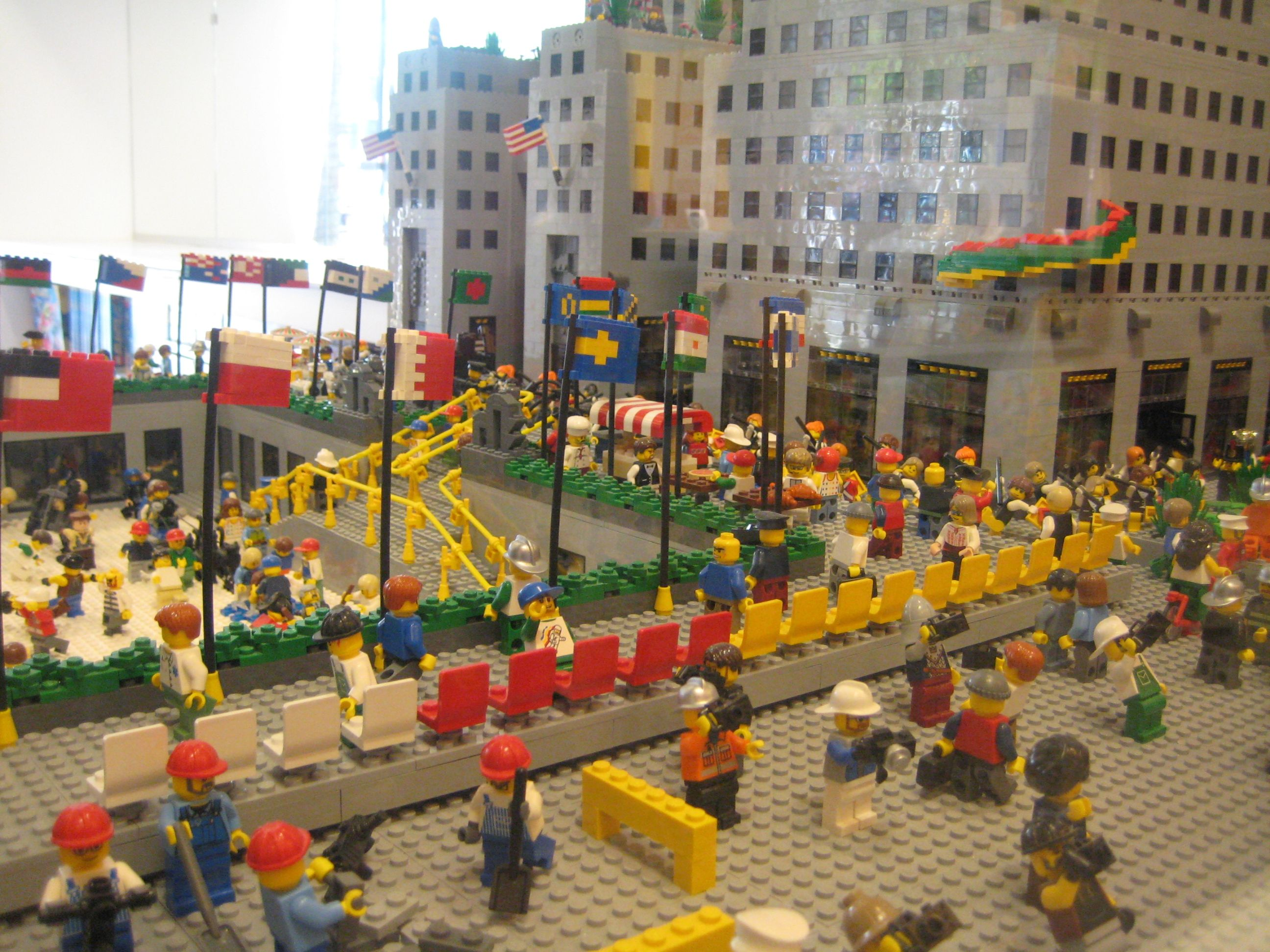 Lego Store In Rockefeller Center Must See New York City