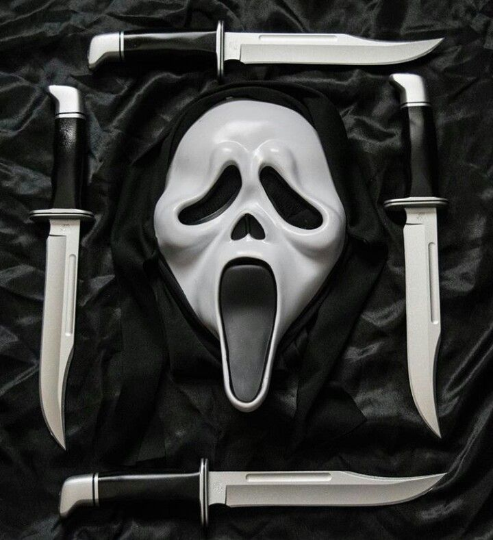 Pin By Edwin Llerena On Scream Halloween Horror Movies Ghostface Replica Prop