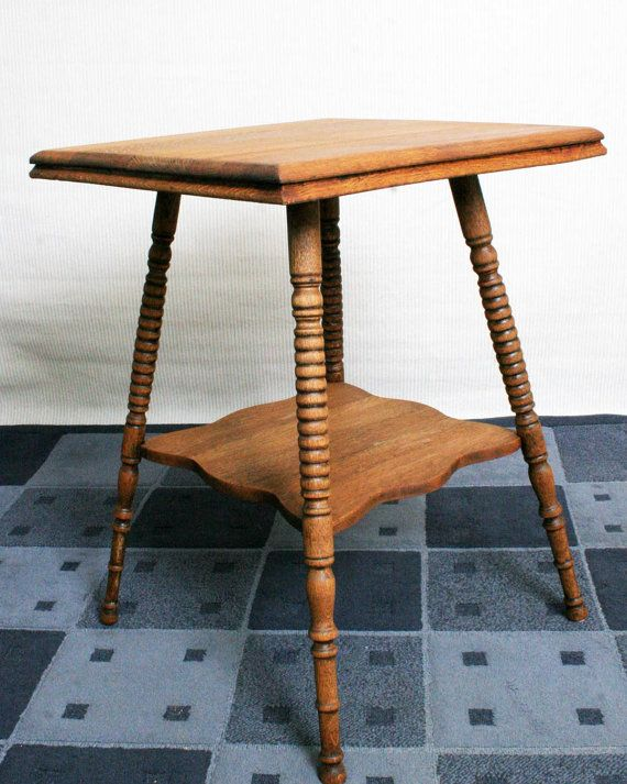 Superbe Antique Spool Leg Oak Side Table PickUp Only By FinerStuffofLife, $175.00