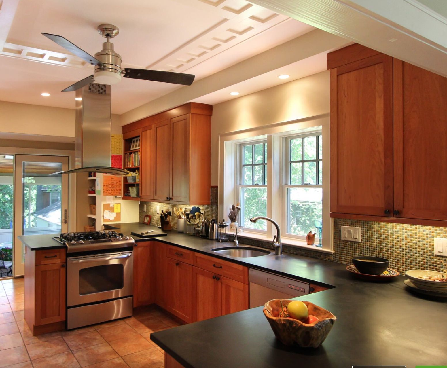Cheery Cabinets With Black Counter Small U Shaped Kitchens Ceiling Fan In Kitchen Elegant Kitchens