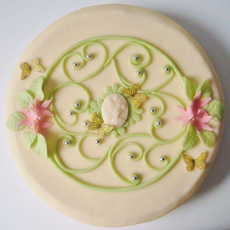 Joyeux anniversaire Emi Scraparvati Gateau pate d