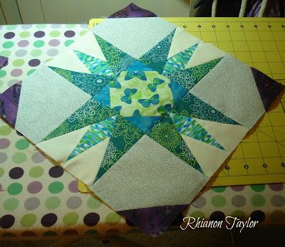 The Nifty Stitcher: Stars and Butterfly Quilt - Part 1