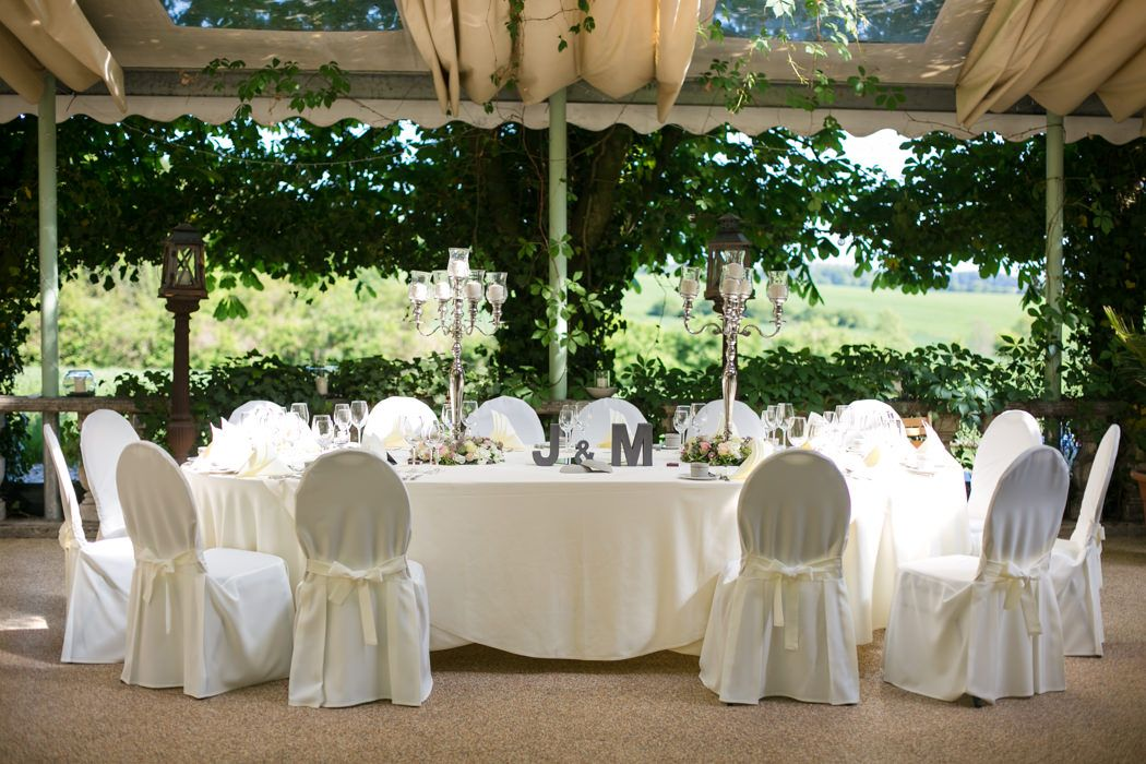 42c4df003a320e Hochzeit feiern unter freiem Himmel. Das ist möglich auf der schönen  Außenterasse im Hotel Steverburg