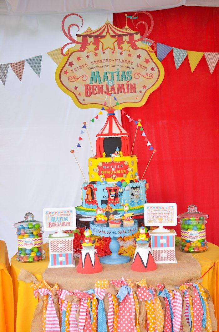Vintage Circus Themed Birthday Party Via KaraS Party Ideas