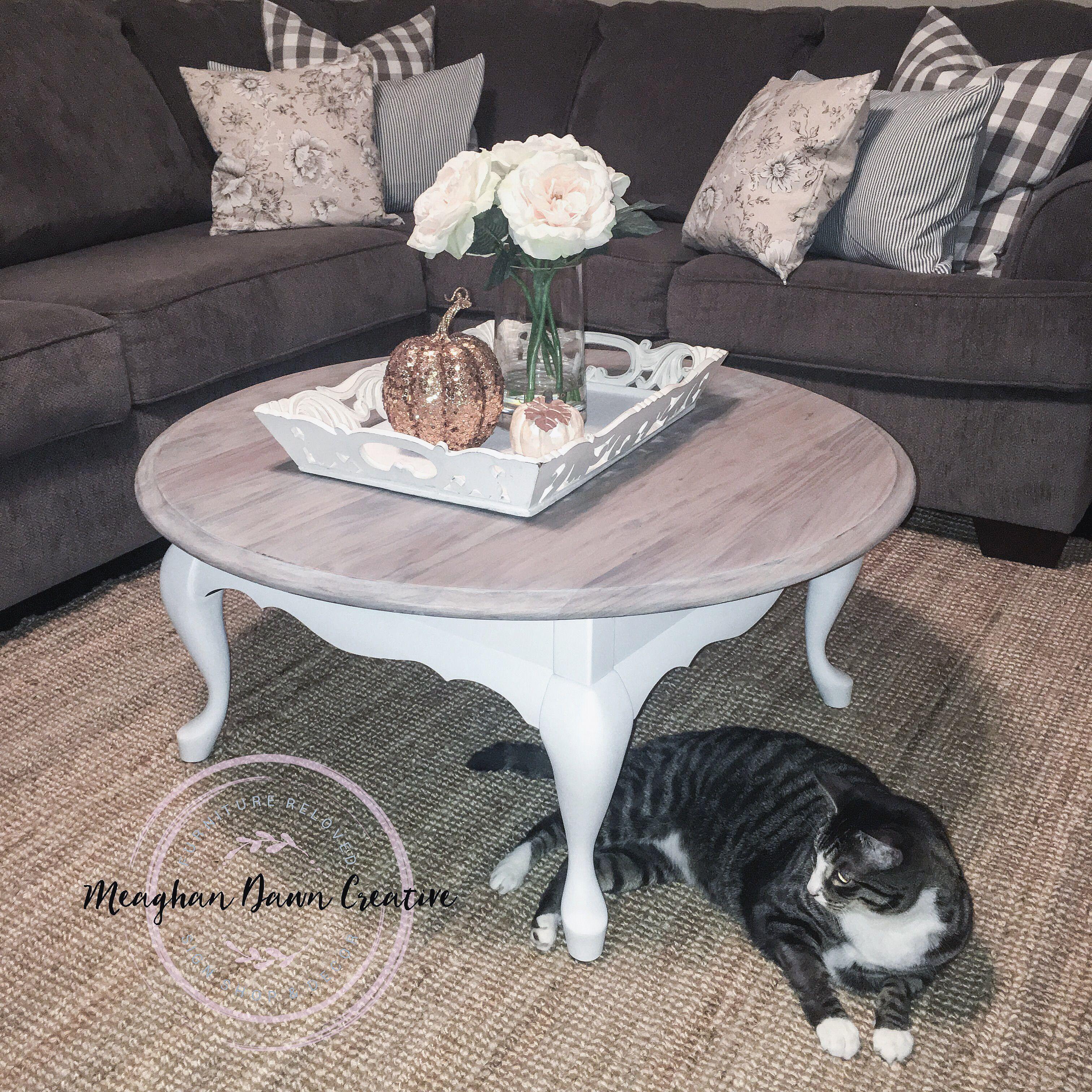 Round farmhouse rustic coffee table White coffee table Two tone