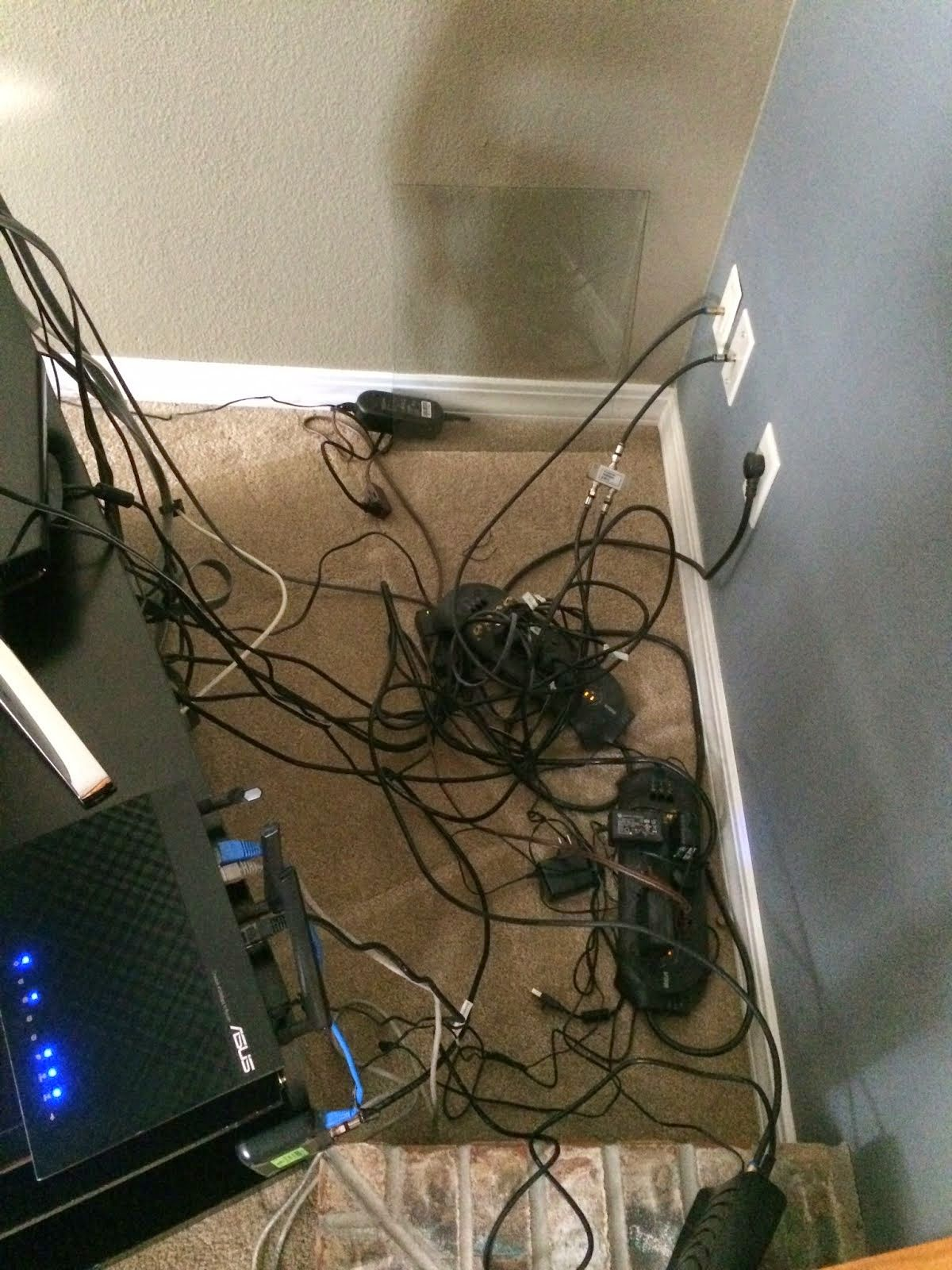 PRETENDING TO BE ORGANIZED: Cords Be Gone!