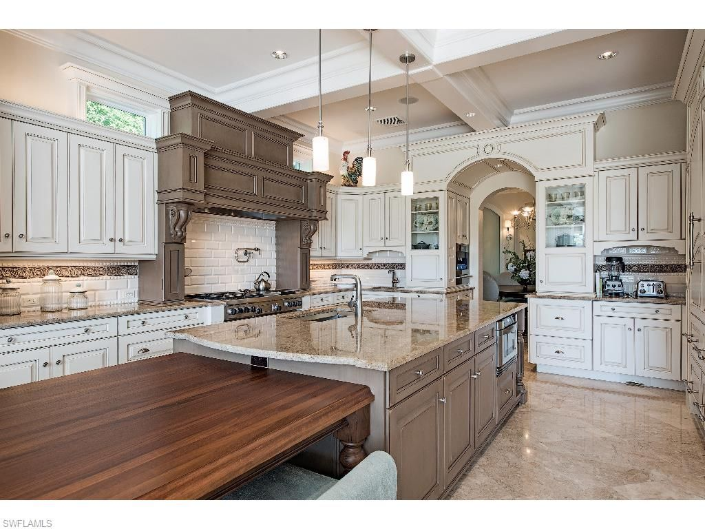 3430 Gin Lane, Naples, Fl 34102 | Pretty gourmet kitchen ...