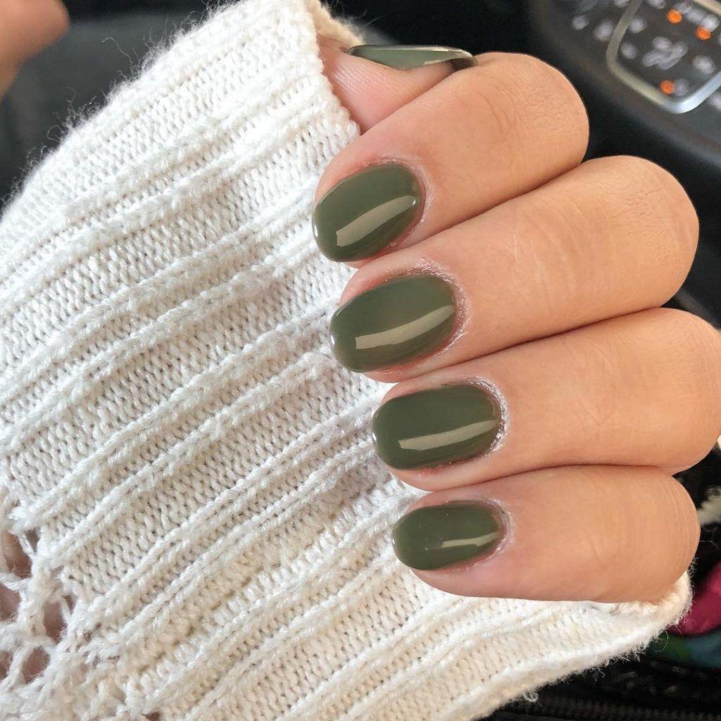 So Cute Short Acrylic Nails Ideas You Will Love Them Green Nails Oval Acrylic Nails Short Acrylic Nails
