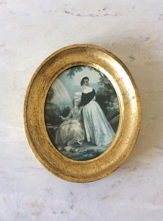 Vintage Gold Florentine Oval Framed Picture, Made in Italy, \