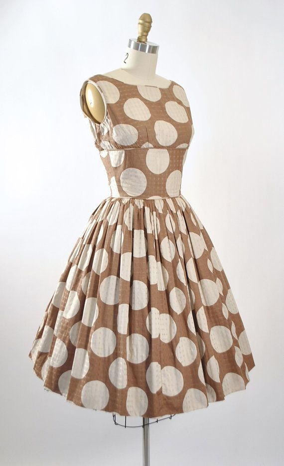 1950's Polka Dot Dress. I may copy this one. It's perfect!