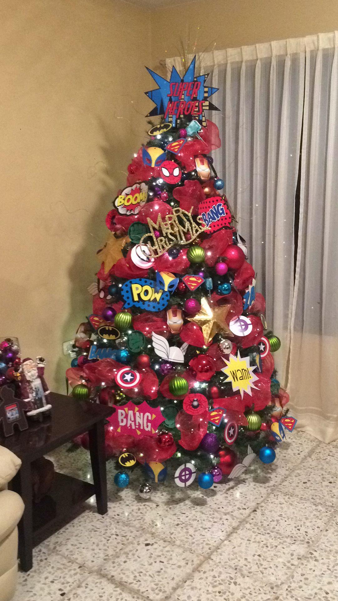 Arbol de navidad superheroes creado por laura de la garza for Decoracion christmas navidenos