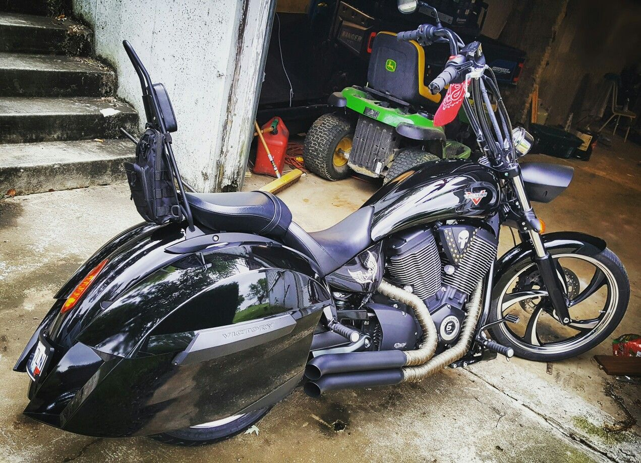 Kingpin Tattoo: 2015 Victory Vegas 8 Ball With Victory Kingpin Fender And