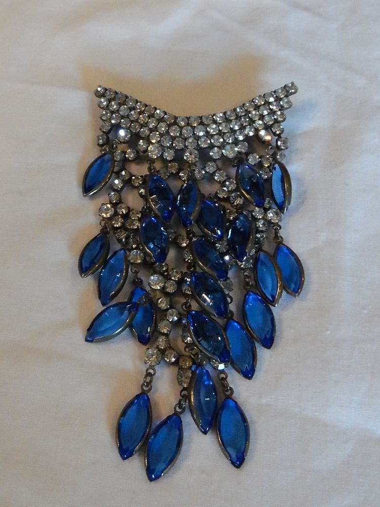 Vintage ART DECO Rhinestone Brooch With Drops - ONE Stunning Piece - MUST C!