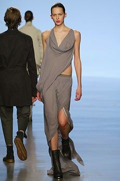 Rick Owens Spring 2004 Ready-to-Wear Fashion Show - Elise Crombez, Rick Owens