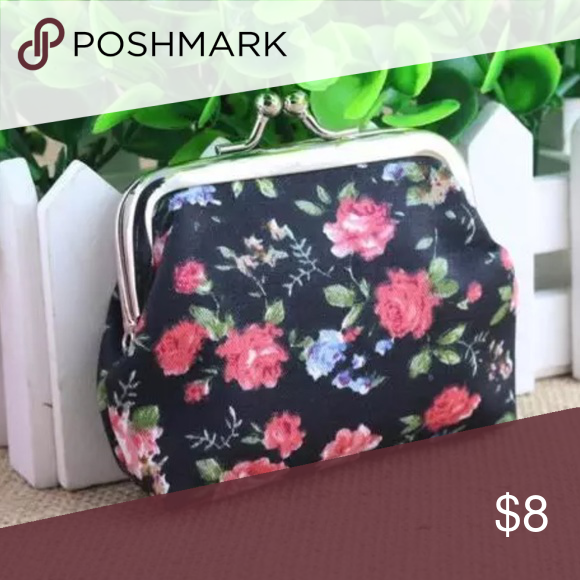 Cute mini floral coin purse 👛 Floral coin pouch Material: LinenAnd you can put coin, cash and other small items, But you can't put ID card. Lightweight, portable and fashionable. As a perfect gift for yourself or your friends. Brand new wot price firm unless bundled.  🛍BUNDLE & SAVE 15%🛍 ✨TOP RATED SELLER✨ 📦SAME DAY OR NEXT DAY SHIPPING!📦 ❤REASONABLE OFFERS WELCOME❤ ❌NO TRADES NO PAYPAL ❌ Bags Mini Bags