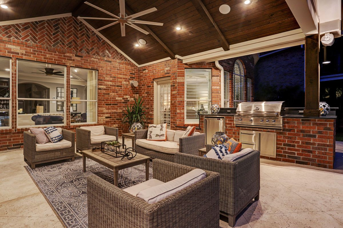 outdoor living and kitchen in katy cinco ranch texas custom patios in 2020 outdoor living on outdoor kitchen and living space id=60611