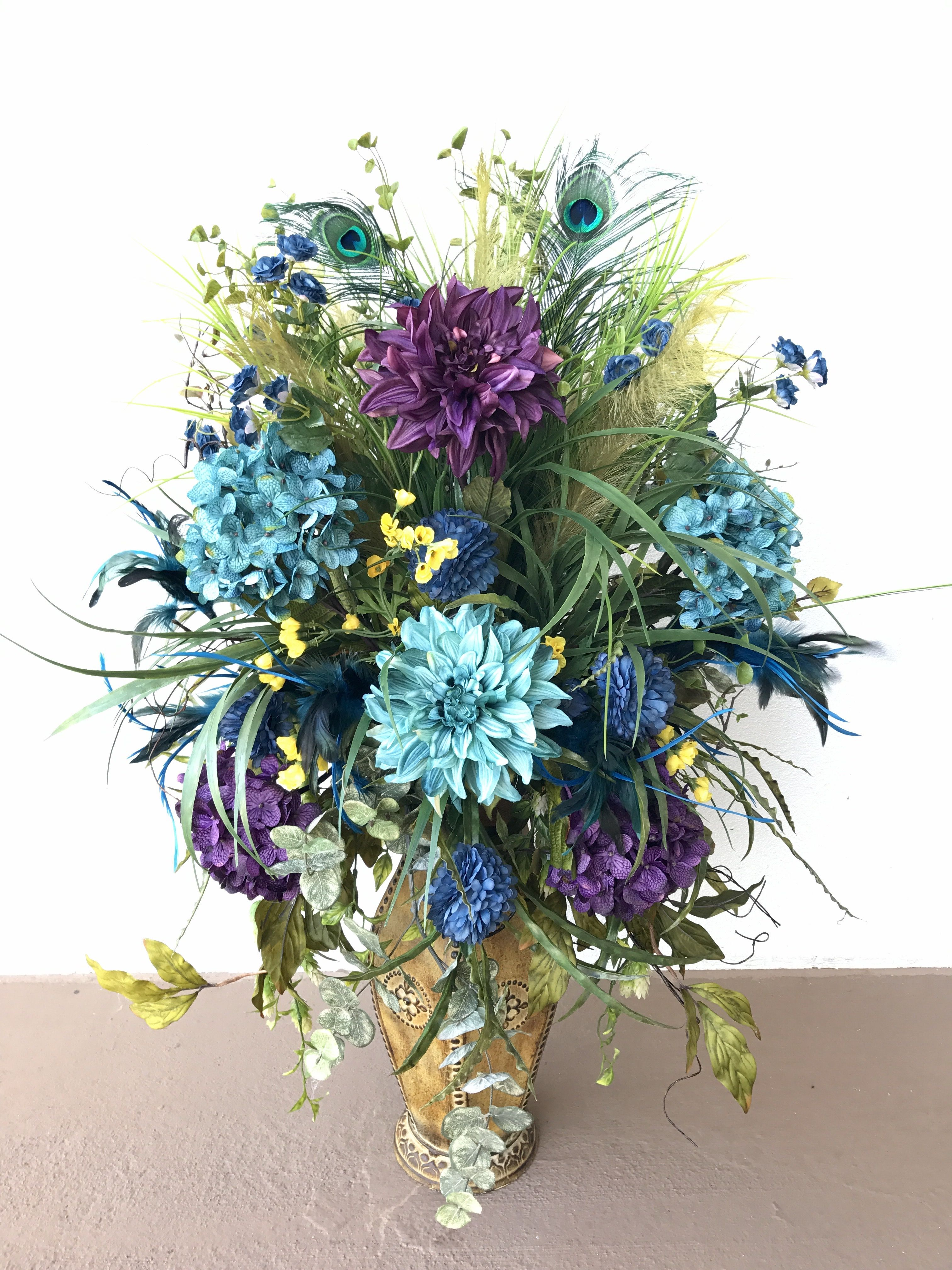 Purple And Teal Blue Dahlia Flower Arrangement Designed By Arcadia Floral And Home Dec Inexpensive Wedding Flowers Daisy Wedding Flowers Spring Wedding Flowers
