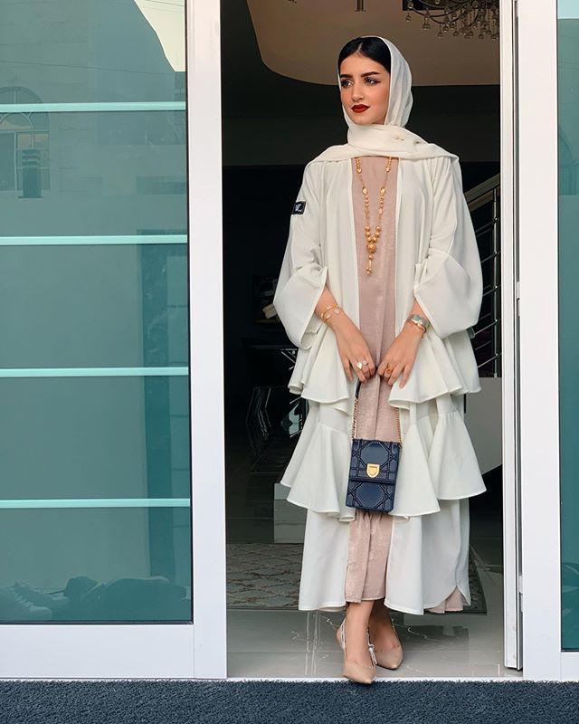 خولة المراغي Kam 227 Instagram Fotograflari Ve Videolari Layering Outfits Abaya Fashion Fashion