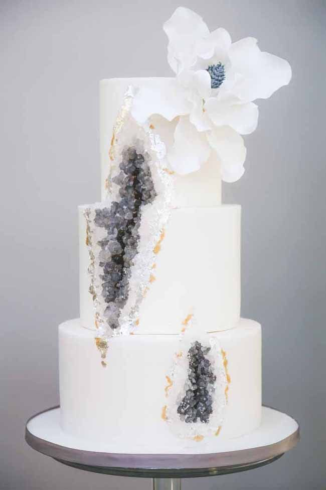 20 Geode Crystal Wedding Cakes Southbound Bride Credit Liberty Pearl Mimosa