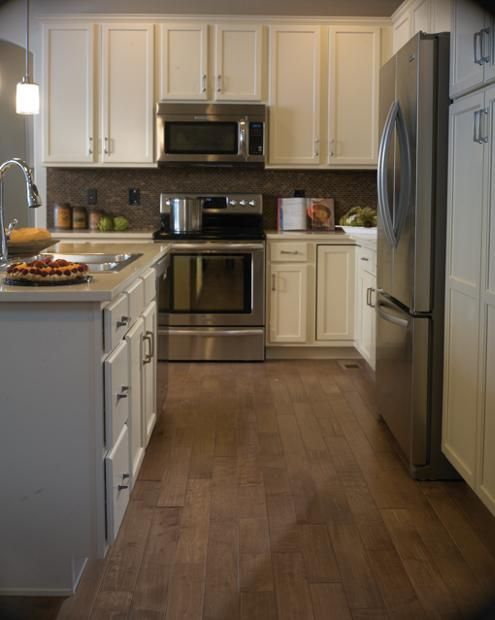 Concord Maple, White Icing | Kitchen cabinets, White ...