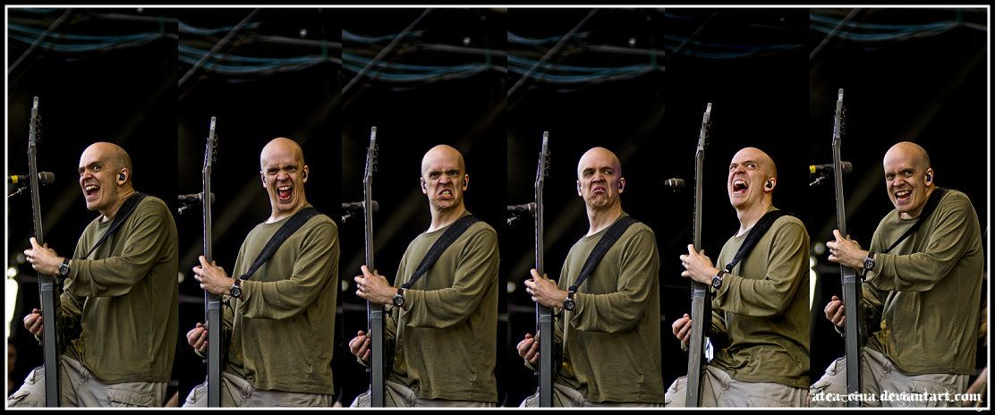 Excellent facial expressions from Devin Townsend.