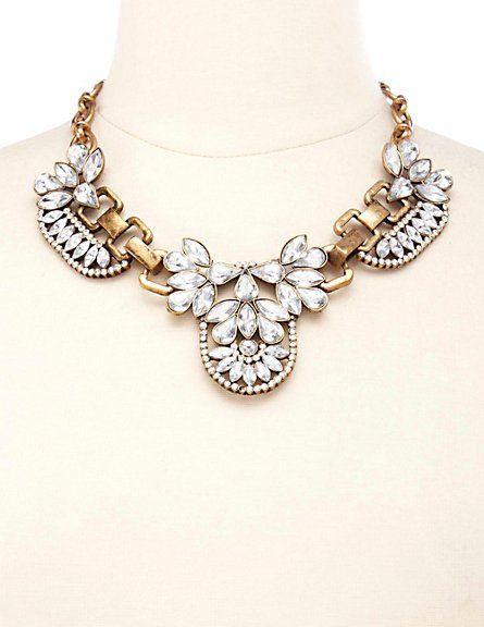 Vintage Inspired Rhinestone Bib Necklace #charlotterusse #charlottelook #vintage #necklace
