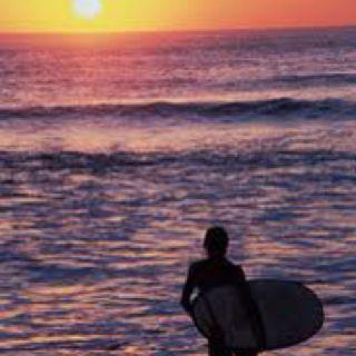 Surfer girlyy!:)