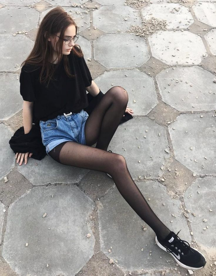 38 Street Style Grunge Looks to Wear Right Now - #Grunge #street #style #tights #wear