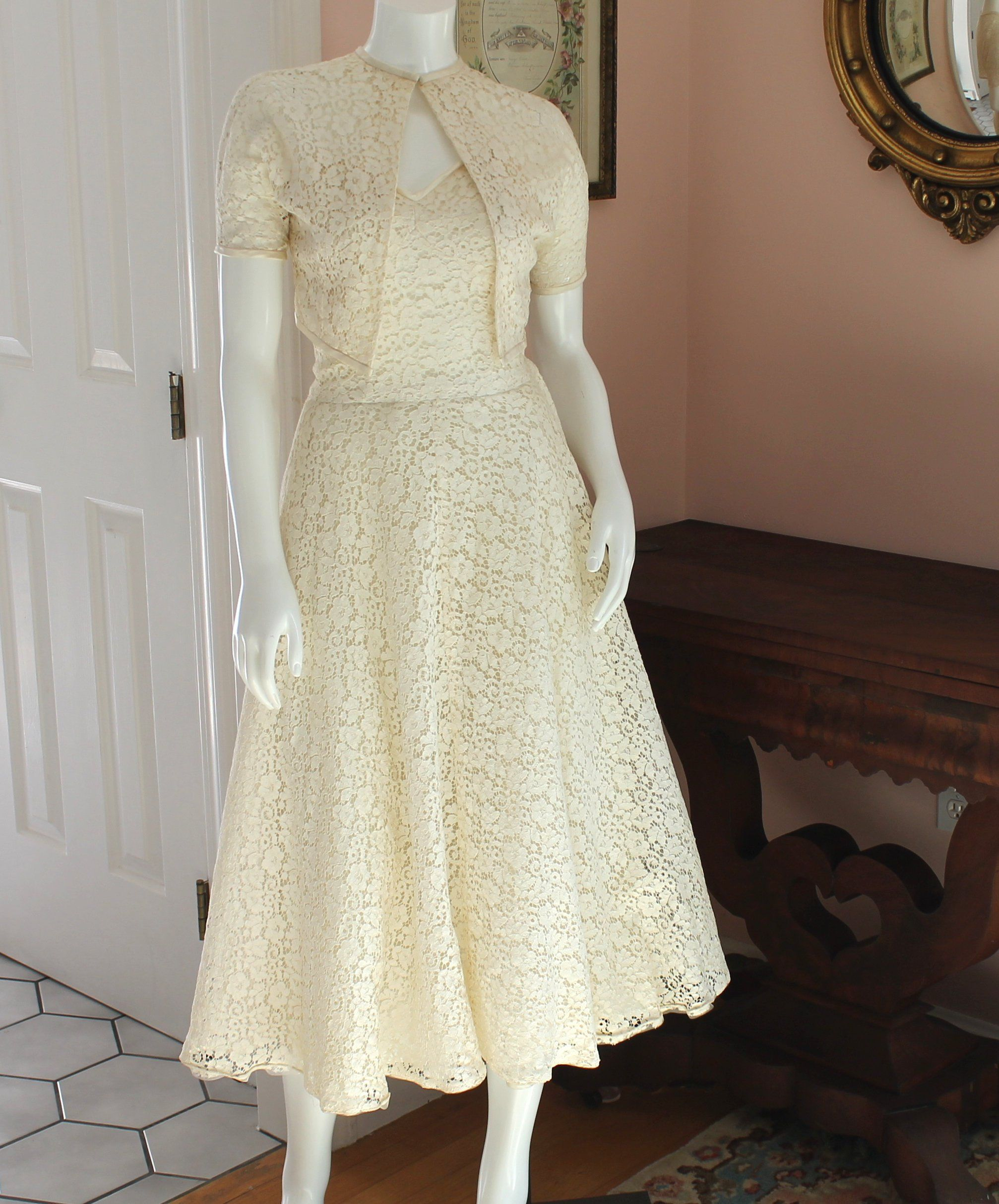 Vintage 1940s To 1950s Off White Floral Lace Strapless Dress Etsy Strapless Lace Dress Lace Strapless Renaissance Fair Dress [ 2429 x 2014 Pixel ]