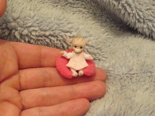 Miniature handmade MINI TOY BABY GIRL DOLLY TINY ooak JOINTED DOLLHOUSE DOLL