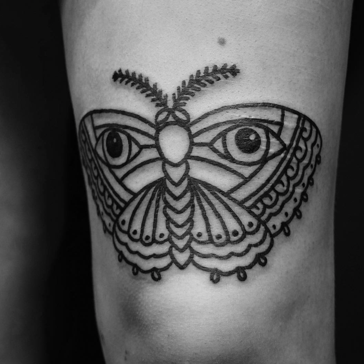 Blackwork Bold Lines Ornamental Traditional Butterfly Tattoo Follow Me On My Blog To Join All My Tips And Tricks About Tattoos