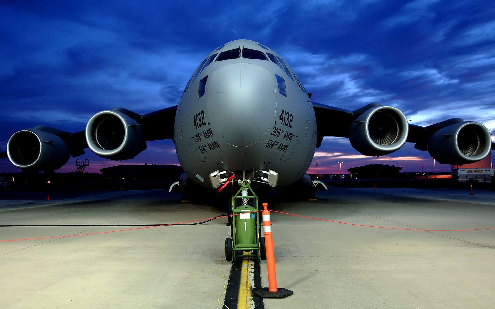 iPhone Plus MilitaryBoeing C Globemaster III Wallpaper