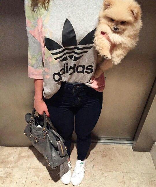 5c16756dffc Calça jeans blusa Adidas tênis adidas