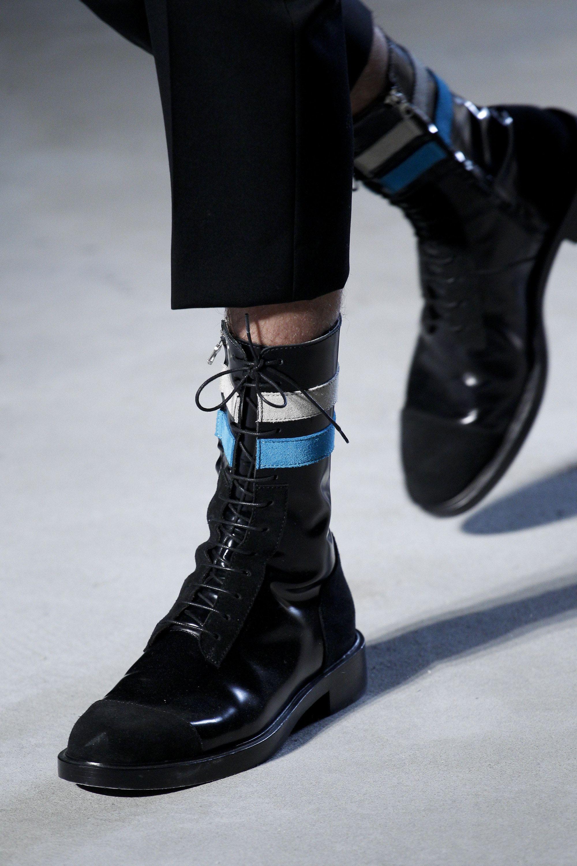 Raf Simons Fall 2016 Menswear Fashion Show Mens Boots Fashion Fashion Shoes Boots Men
