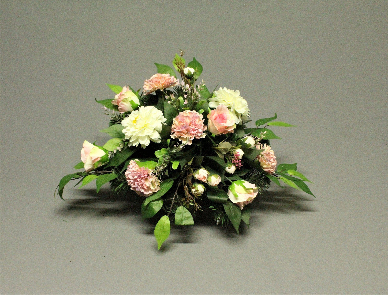 Dekoracja Nagrobna Kwiaty Sztuczne Dekoracja Na Pomnik Etsy Artificial Flowers Cemetery Decorations Making A Bouquet