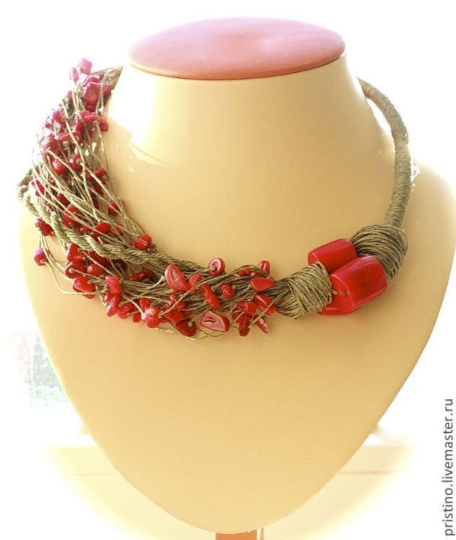 """Купить Льняное колье """"Красные искры"""" - ярко-красный, коралл натуральный, спираль, цилиндры, россыпь"""