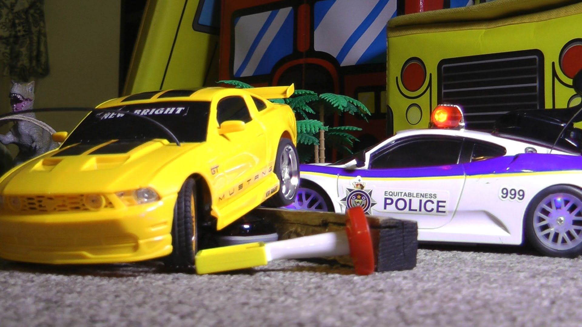 RC Police Chase VS FORD MUSTANG Toy Cars CRASH ACTION!!! | hotwheels ...