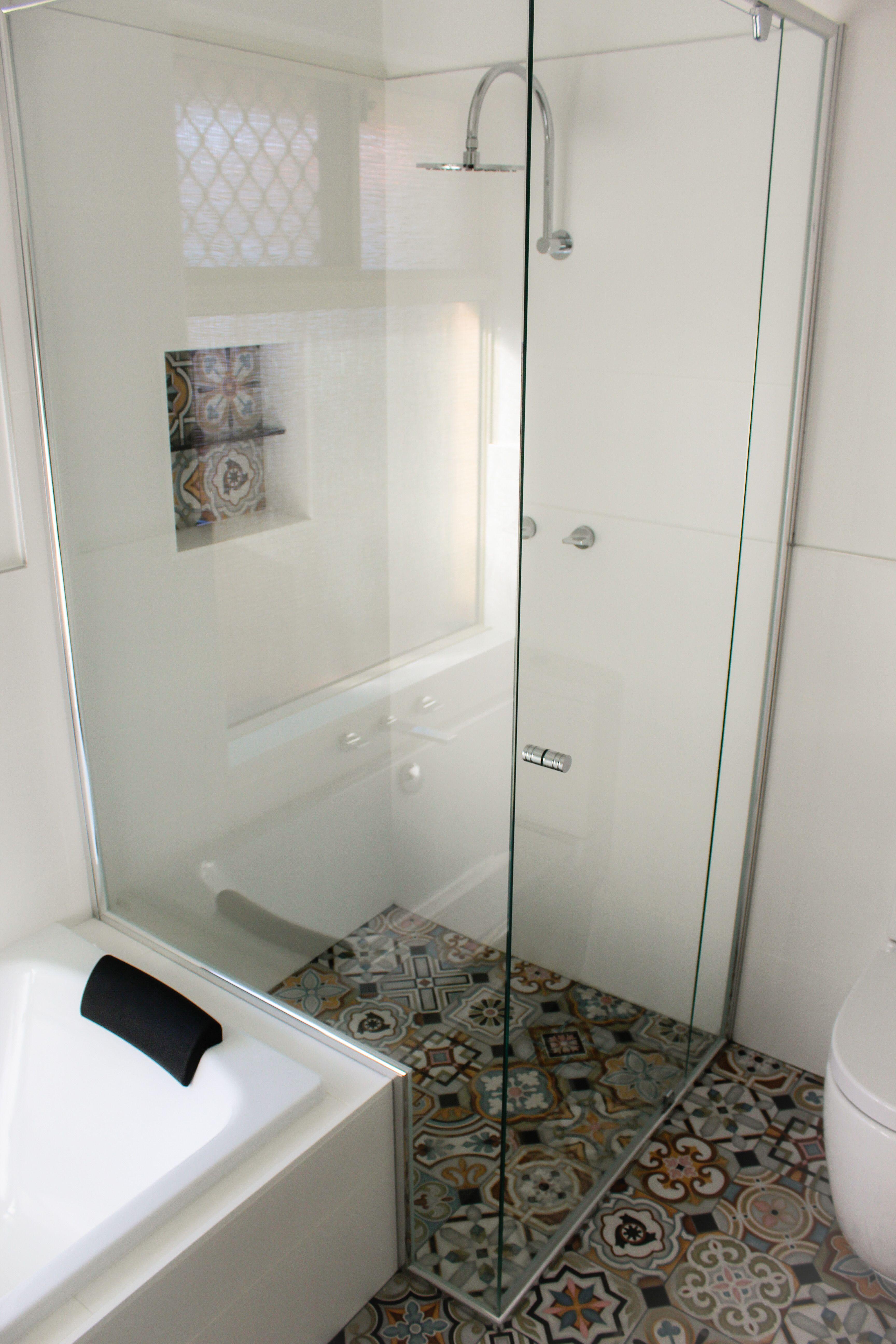 Pivot Screen - Semi Frameless Shower Screen - Shower Over Bath ...