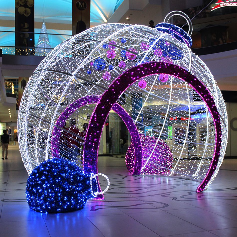 Giant walk through 3d led bauble cresta shopping centre for Outdoor christmas baubles
