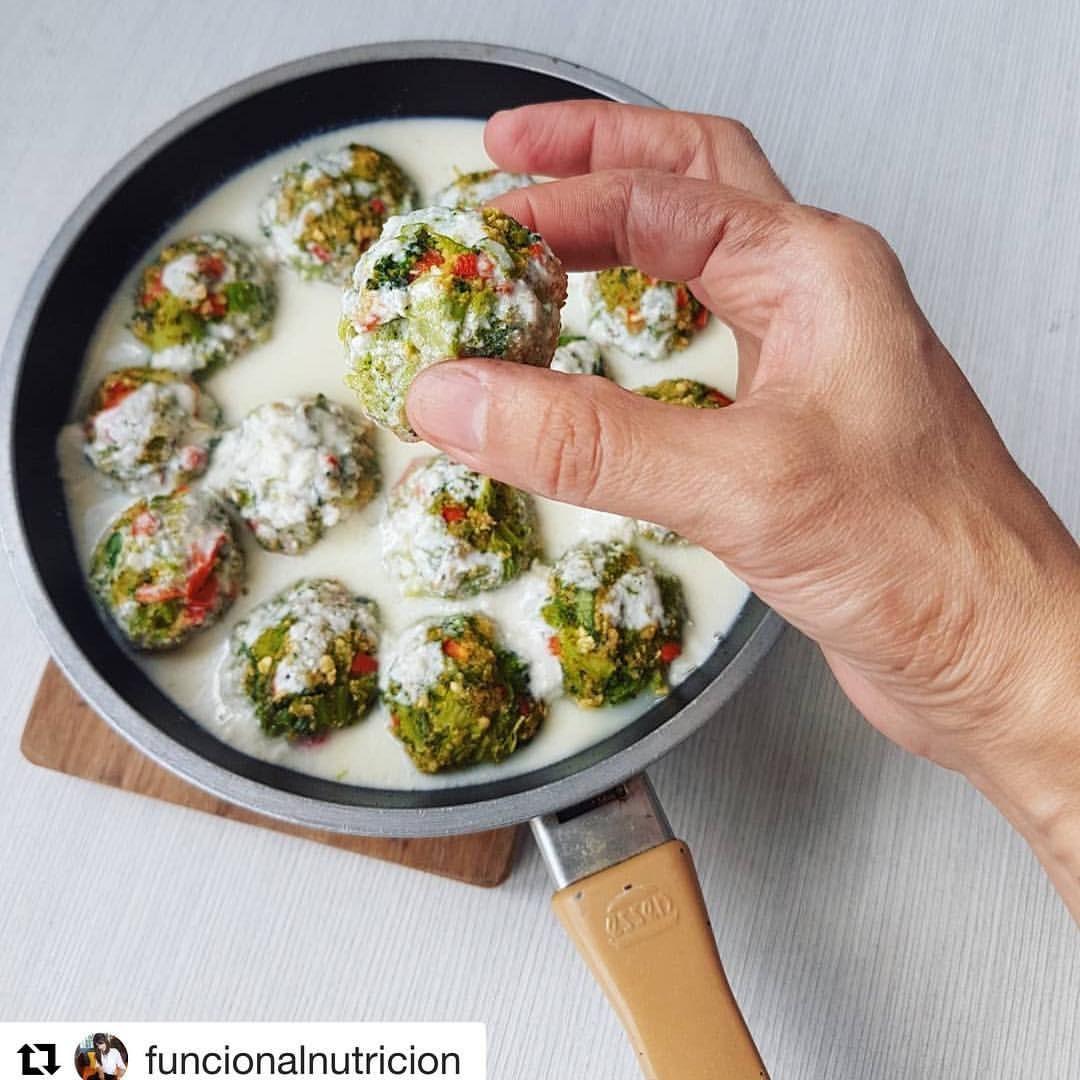 Repost Funcionalnutricion With Get Repost Albóndigas De Brócoli Con Salsa De Queso No Salsa De Queso Recetas Vegetarianas Recetas Para Cocinar