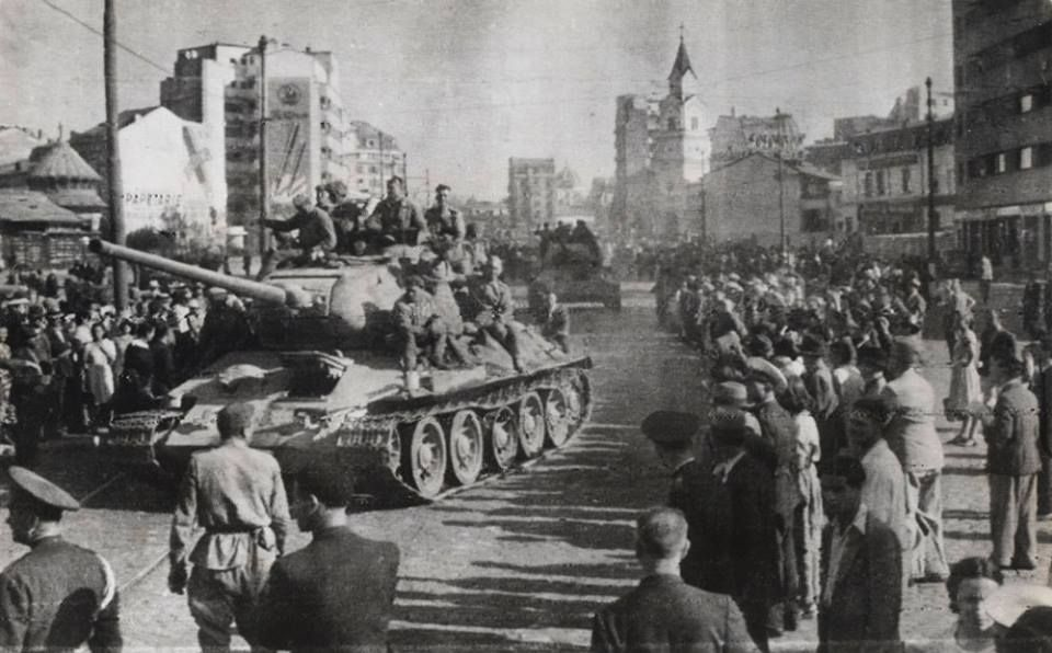 Soviet troops of the 2nd Ukrainian Front capture Bucharest, the capital of Romania.