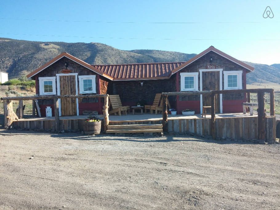 Cody Wy Cabin Remodeled In 2015 Spend The Night In This